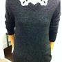 H&M: Ezt a kicsit csillogós, lila színű pulóvert a leárazott darabok között találtuk, és egy szép blúzzal tökéletes párost alkot. Ár: 4000 Ft