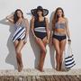 A Swimsuit for All-nál is menőnek számítanak az egyrészesek és a magasított derekú alsók.