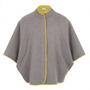 Ez a szürke kabát az egyik kedvencünk az Elvi plus-size kollekciójában. A mutatós darabért 85 fontot, 30.700 forintot kérnek a márkánál.